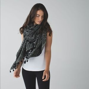 Lululemon Sun To Moon Scarf